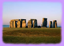 Stonehenge is a huge monument located in the English county of Wiltshire, north of Salisbury about 8 miles.